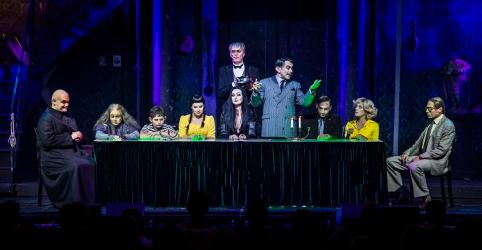 Addams-Family: Premiere im Merziger Zeltpalast. Foto: Rolf Ruppenthal/ 23. Aug. 2014