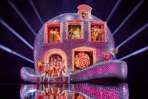 VIVID-Grand-Show_Funhouse_Foto-Brinkhoff-Moegenburg